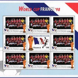 برگچه تمبر جام جهانی 1998 فرانسه با تصویر تیم ملی فوتبال ایران چاپ گویان